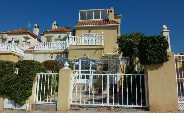 End Terraced House In Las Palmeras, Los Altos