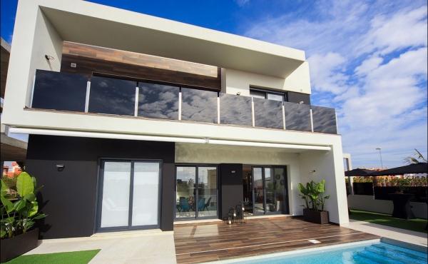 New Build Detached Villa In Lomas De Cabo Roig