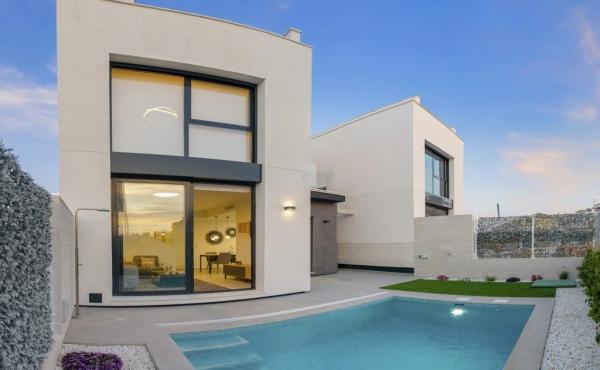 New Build Detached Villas In Villamartin