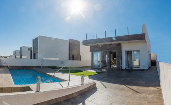 New Build Detached Villas In Villamartin