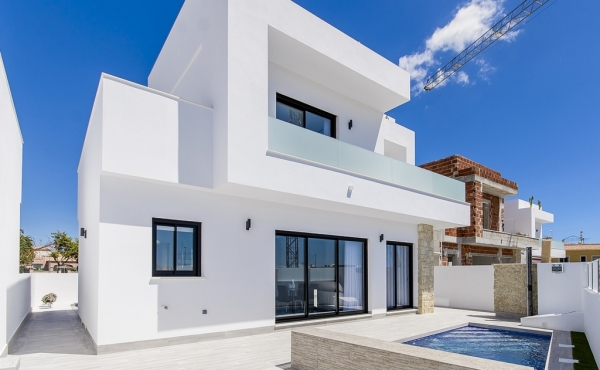 New Build Detached Villa In Los Montesinos