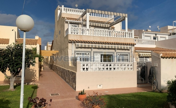 End Terraced House In Las Chismosas