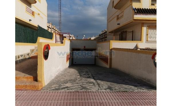 Private Garage In Amapolis, Las Chismosas