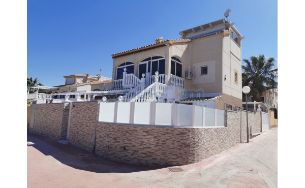 Detached Villa in Las Palmeras