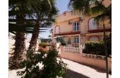 309, Terraced House in La Florida