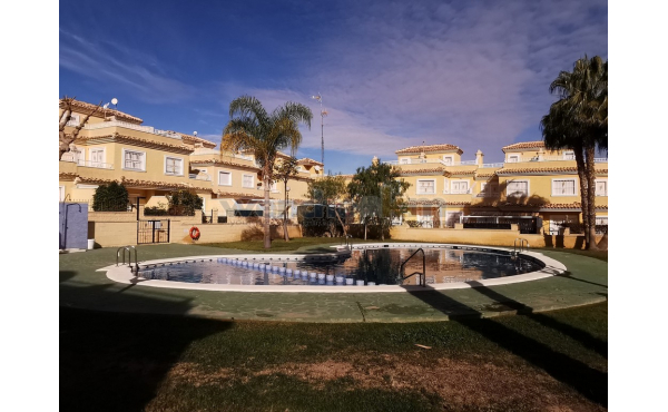Large Terraced House in Los Altos