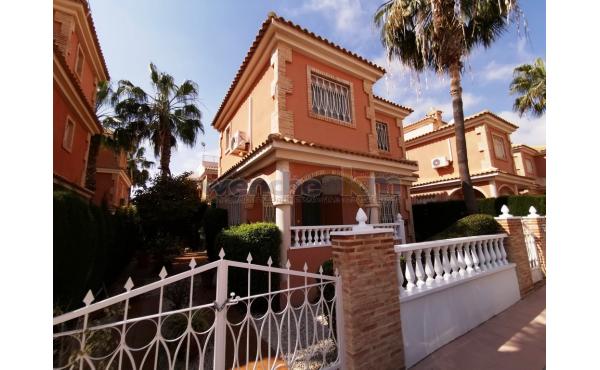 Detached Villa in Playa Flamenca