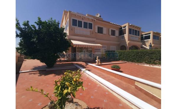 Quatro House in Zeniamar